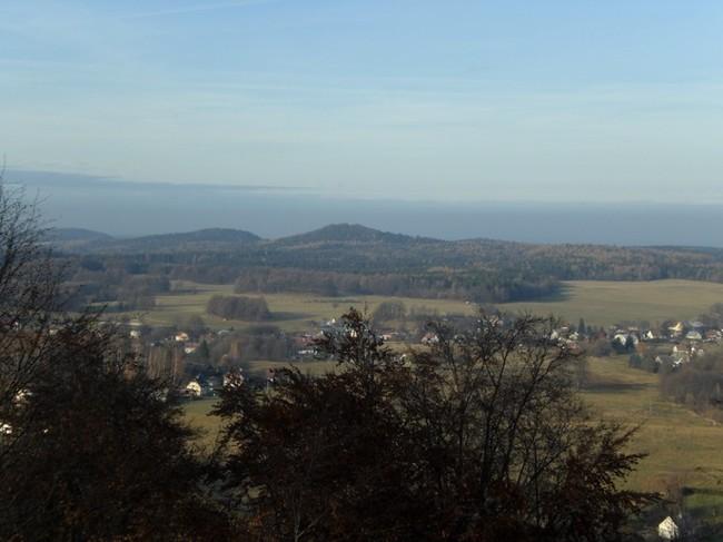 Pohled z hradu na Smolný vrch